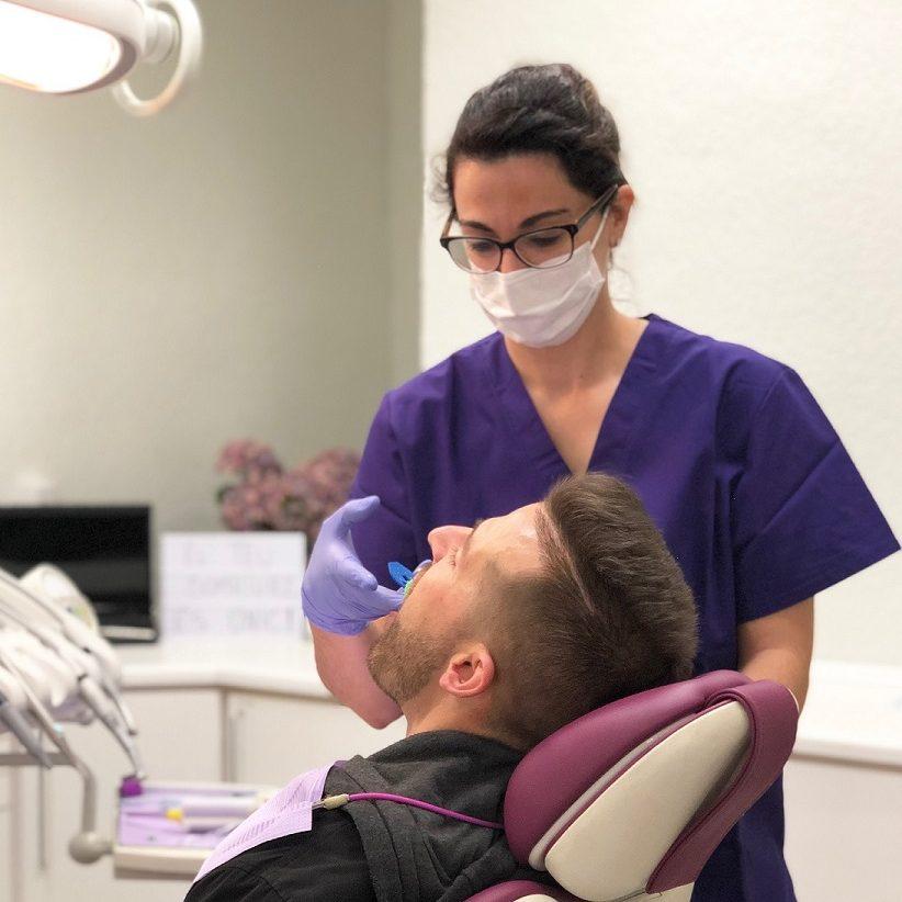Tractament Invisalign a Estètica Dental Vila